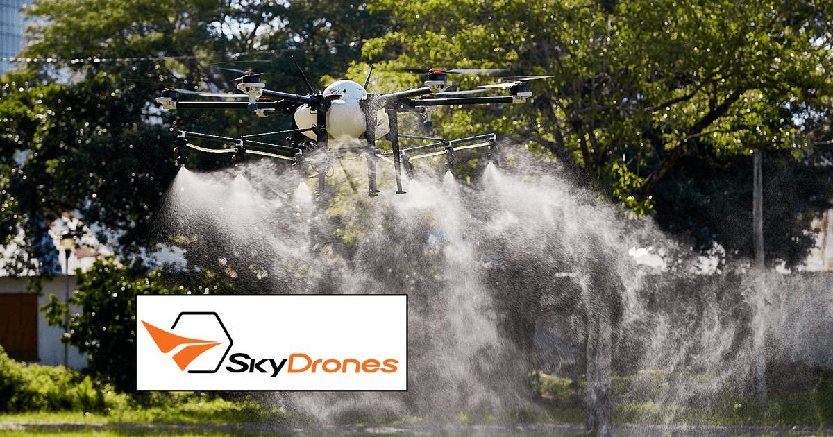 Drone desinfetando locais públicos