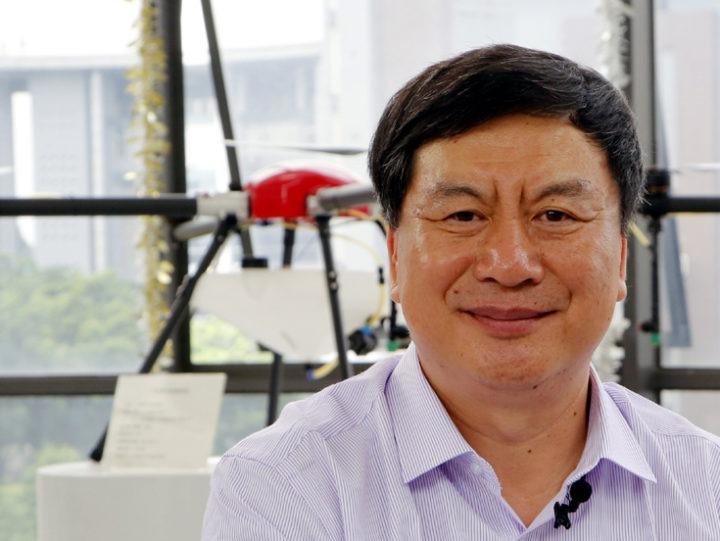 Yubin passou pela A&M University, pelas Universidades de Nebraska, da Georgia e atuou do Departamente de Agricultura dos EUA antes de assumir a direção do maior centro chinês de pesquisas de drone - foto: Agência Xinhuanet